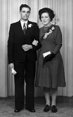 Sid and Mabel Ganderton, Wedding - Saturday, 14th February, 1942.