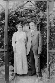 Esther and Nathaniel Flowers